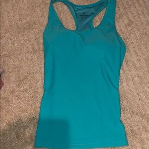 Volcom workout top- like new!